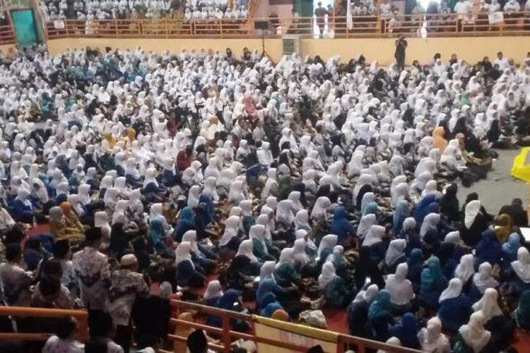 Ribuan guru di Kabupaten Subang, Jawa Barat sedang menerima penjelasan tentang metode pendidikan aplikatif di Purwakarta, Selasa (7/3/2017).