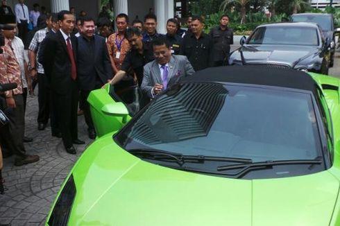 Hotman Paris Pamer Lamborghini di Depan Jokowi