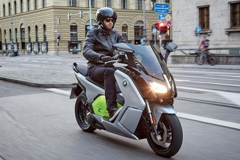 Skuter Listrik BMW, Rambah Pasar Amerika