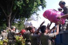 Diskotek dan Tempat Prostitusi di Pinggiran Kanal Banjir Barat Ditertibkan