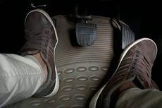 Dampak Buruk Kebiasaan Kaki Menempel di Pedal Kopling
