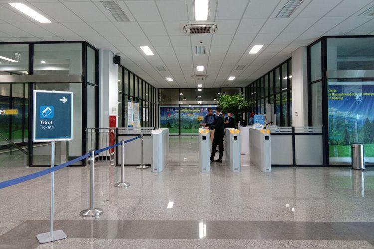 Tempat pembelian tiket kereta api bandara yang terletak di lantai 1 stasiuns Manggarai, Jakarta, Senin (24/2/2020).