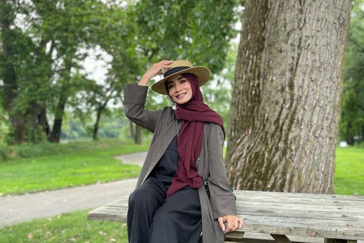 Suli Razak terbang ke Amerika Serikat untuk mengunjungi anaknya sekaligus divaksinasi.