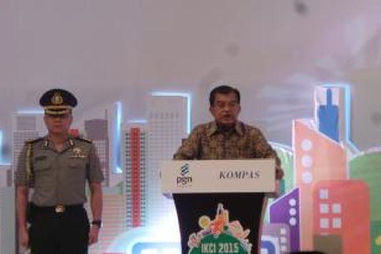Wakil Presiden Jusuf Kalla saat menghadiri peluncuran Indeks Kota Cerdas Indonesia di Jakarta Convention Center, Senin (24/3/2015)