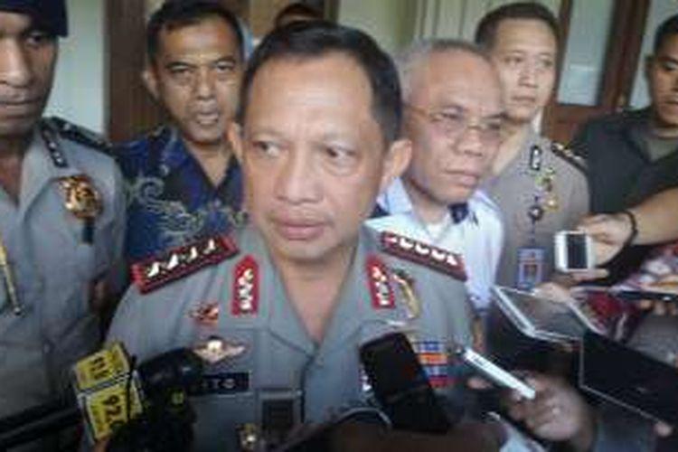 Kapolri Tito Karnavian saat ditemui usai rapat penanganan terorisme di kantor Kemenko Polhukam, Jakarta Pusat, Jumat (15/7/2016).