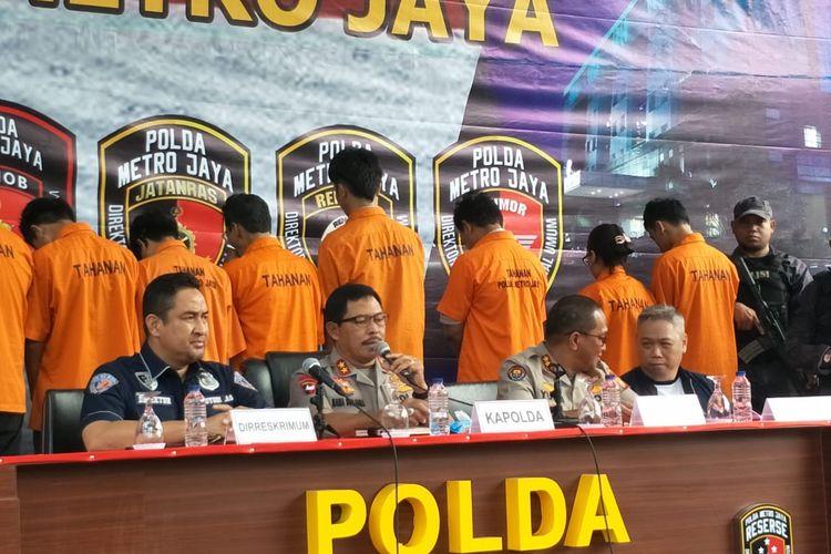Konferensi pers pembobolan rekening nasabah bank di Polda Metro Jaya, Jakarta Selatan, Jumat (6/3/2020).