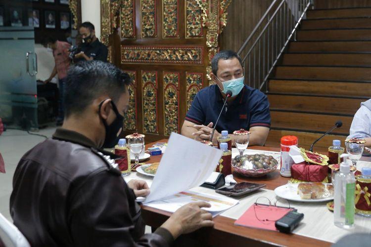 Wali Kota Hendrar Prihadi saat menghadiri kegiatan monitoring dan evaluasi penanganan Covid-19 di Polrestabes Semarang, Minggu (13/6/2021).