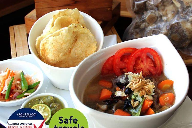 Sop buntut dari Veranda Restaurant yang kini tersedia menu paket promosi untuk layanan delivery