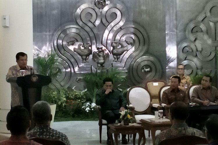 Wakil Presiden Jusuf Kalla pun menyampaikan rasa terima kasih pemerintah kepada para perusahaan-perusahaan swasta yang turut berpartisipasi dengan mengucurkan dana sponsor untuk penyelenggaraan Asian Games 2018. Jakarta, Rabu (6/12/2017).