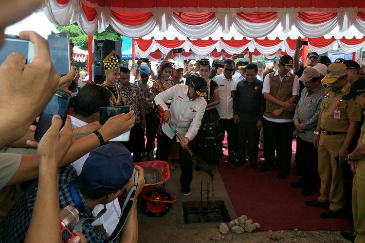 Menko Polhukam Wiranto meresmikan pembangunan hunian tetap di Sigi, Sulawesi Tengah