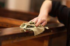 5 Cara Membersihkan Furnitur Kayu dari Berbagai Noda