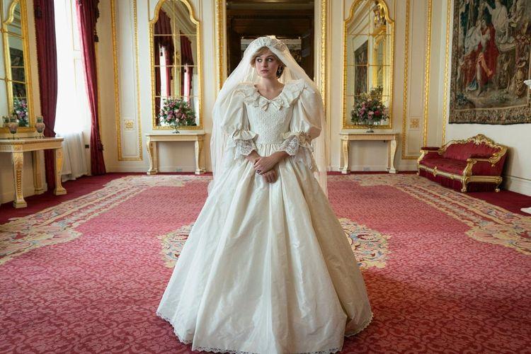 Potret Emma Corrin sebagai Lady Diana Spencer dalam serial televisi The Crown season 4 yang akan tayang di Netflix 15 November 2020.