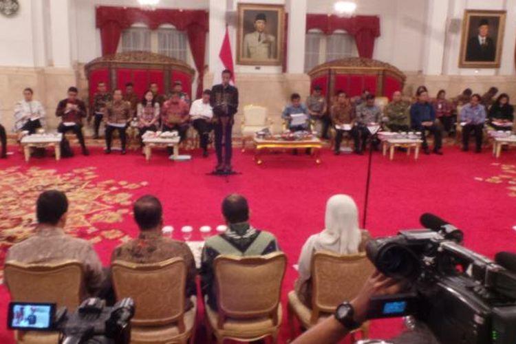 Presiden Joko Widodo saat memimpin rapat Kabinet Kerja di Istana Negara