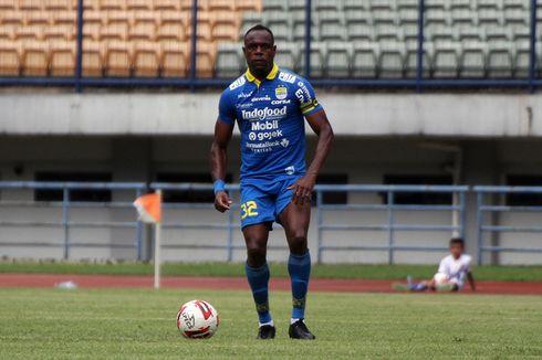 Victor Igbonefo Enggan Tinggalkan Persib meski Kompetisi Alami Penundaan