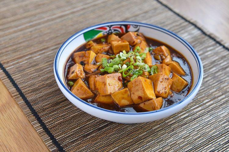 Ilustrasi mapo tahu ala chinese food.