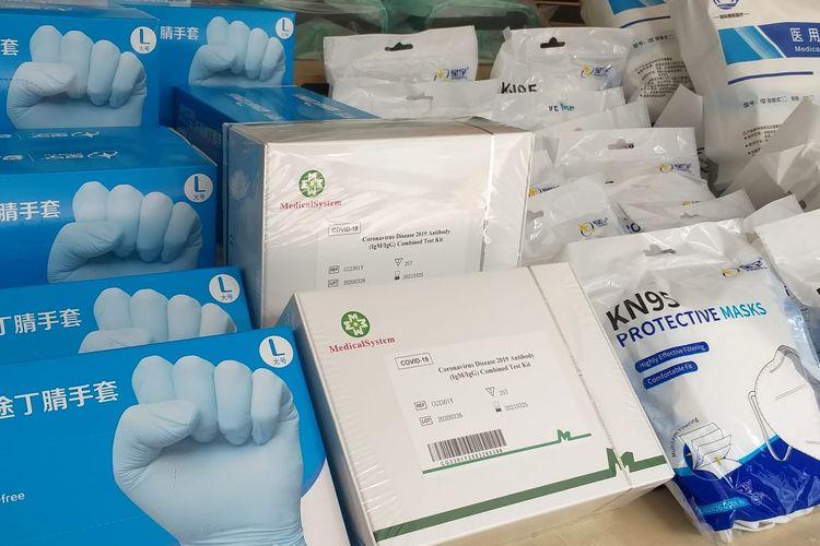 Sido Muncul menyalurkan bantuan untuk penanganan wabah Covid-19 dengan total nilai Rp 800 juta. Bantuan diserahkan Sido Muncul ke PERSI, Rumah Perubahan, Satkes Denma Mabes TNI, dan Pemerintah Kota Semarang, Selasa (5/5/2020)