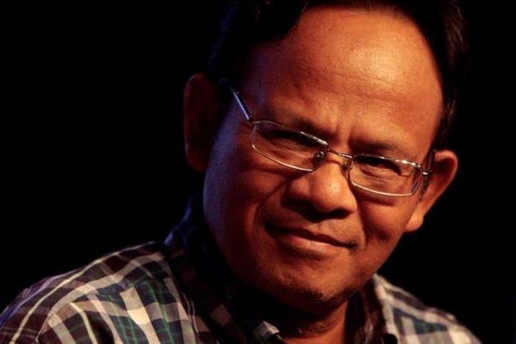 Cendekiawan Muslim, Prof Dr Komaruddin Hidayat saat hadir dalam peluncuran buku berjudul Hypno Parenting karya Dewi Yogo Pratomo, di Plaza Senayan, Jakarta, Selasa (10/1/2012) malam. KOMPAS IMAGES/BANAR FIL ARDHI