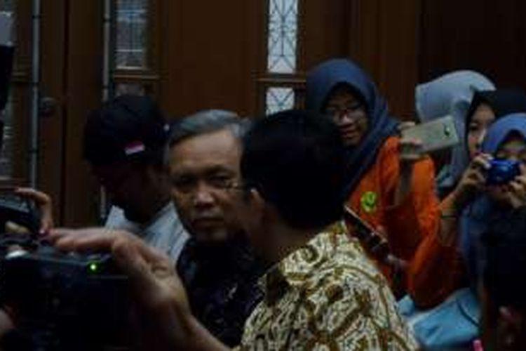 Anggota DPD Bambang Sadono dan mantan Ketua DPD, Irman Gusman, di Pengadilan Tipikor Jakarta, Selasa (20/12/2016).