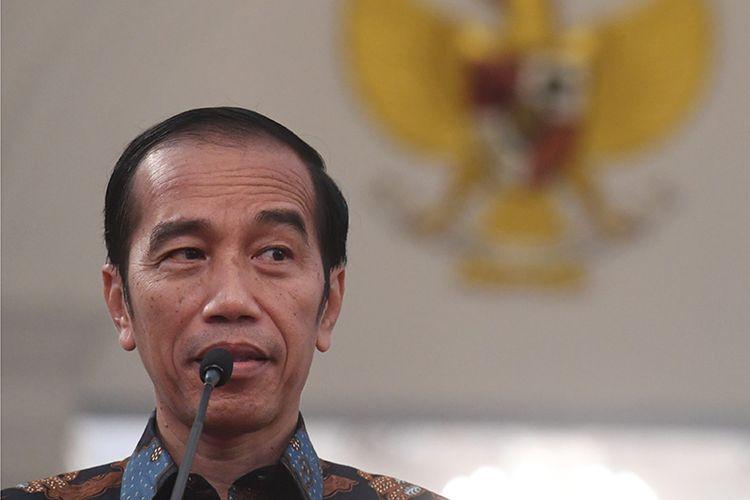 Presiden Joko Widodo menyampaikan keterangan terkait kerusuhan pascapengumunan hasil pemilu 2019 di Istana Merdeka, Jakarta, Rabu (22/5/2019). Presiden mengatakan tidak akan memberi toleransi kepada pihak-pihak yg akan mengganggu keamanan, proses demokrasi dan persatuan negara serta tidak akan memberikan ruang untuk perusuh yg akan merusak Negara Kesatuan Repubik Indonesia.