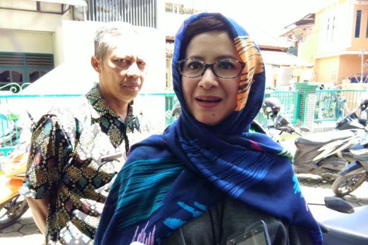 Bakal Calon Wali Kota Bandung Nurul Arifin saat diwawancarai awak media usai berkunjung ke Madrasah Al-Wasiah, Kecamatan Babakan Ciparay, Kamis (23/11/2017).