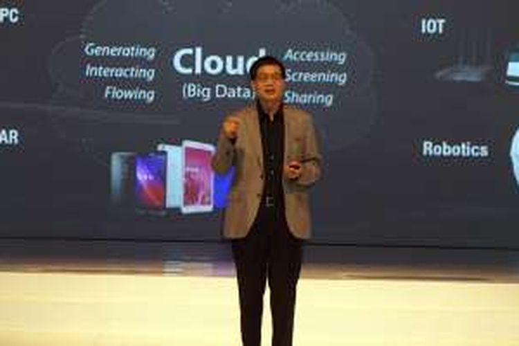 CEO Asus Jerry Sen dalam peluncuran smartphone Android Zenfone 3 di Nusa Dua, Bali, Rabu (7/9/2016)