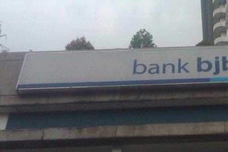 Bank Jabar dan Banten (BJB) di Jalan Naripan, Bandung, Jawa Barat.