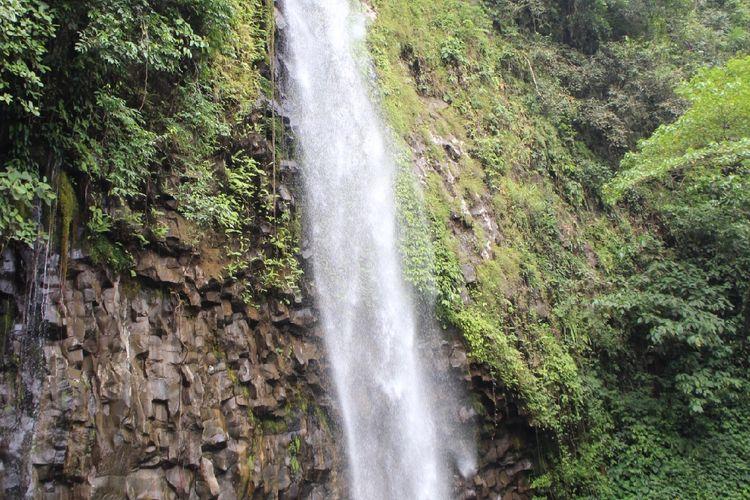 Air terjun Lembah Anai, Jalan Raya Padang-Bukittinggi, Tanah Datar, Sumatera Barat