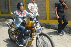 Jaket Denim Jokowi Tak Akan Diproduksi Massal, Kecuali Diizinkan