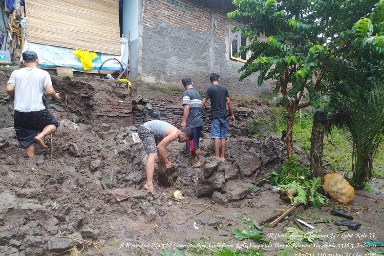 Talut Sepanjang 20 Meter di Yogyakarta Longsor
