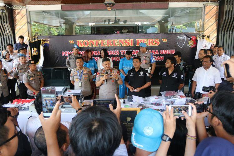 Kapolda Jateng Irjen Pol Rycko Amelza Dahniel saat konferensi pers di Polda Jateng.