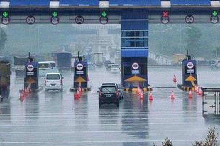 Pintu tol Cikarang Utama, Bekasi, Jawa Barat.