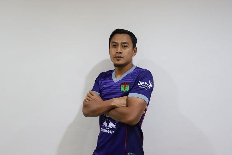 Samsul Arif menjadi rekrutan teranyar Persita Tangerang pada bursa transfer Liga 1.