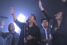 Lirik Lagu Karna SalibMu oleh JPCC Worship