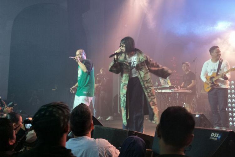 Yacko tampil dalam 25th Anniversary Concert: Batman Kasarung - Iwa K di The Pallas, SCBD, Jakarta Selatan, Rabu (4/4/2018) malam.