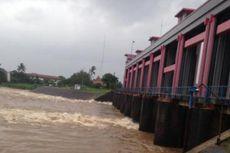 Muka Air di Bendungan Pasar Baru Tangerang Mencapai 12,4 Meter, Penjaga Buka 2 Pintu Air