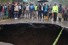 Lubang Besar Muncul di Jalan Brebes-Tegal, Ini Penyebabnya