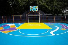 Dirancang Atlet Profesional, Lapangan Basket Ini Dihiasi Mural Geometris