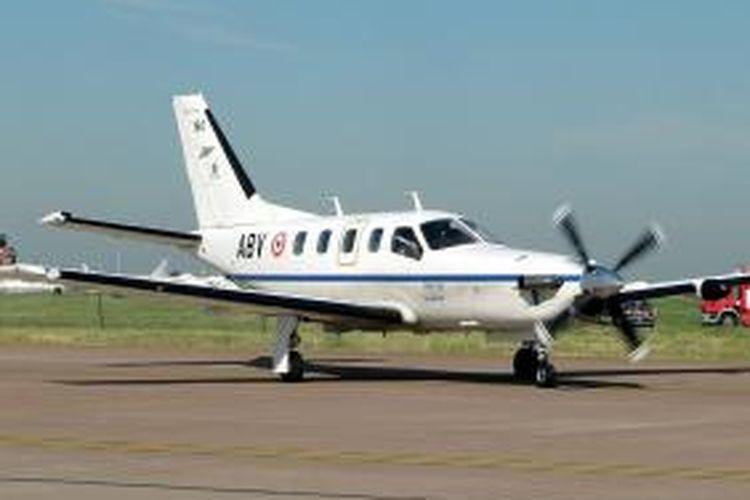Ilustrasi. Pesawat Socata TBM-700. Gambar diambil oleh Adrian Pingstone pada 17 Juli 2006 dan dilepas menjadi domain publik di Wikipedia.
