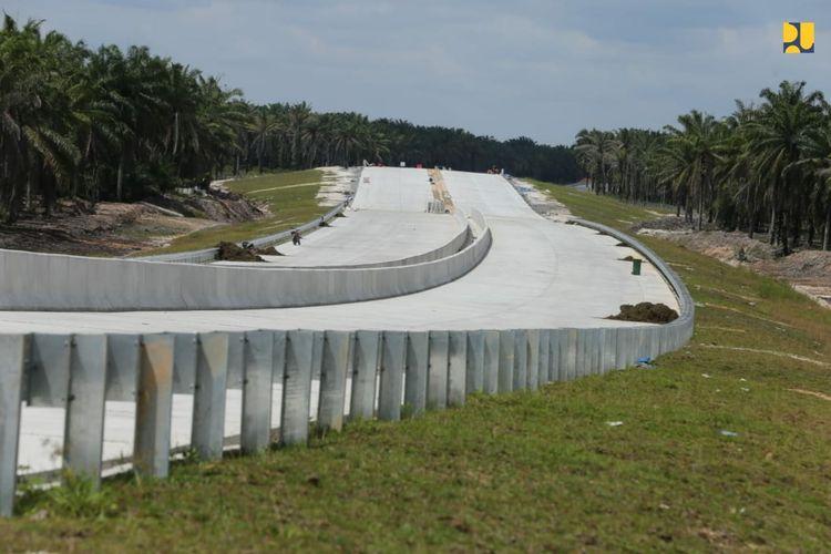 Tol Pekanbaru-Bangkinang sepanjang 40 kilometer ditargetkan tuntas konstruksinya Desember 2021.