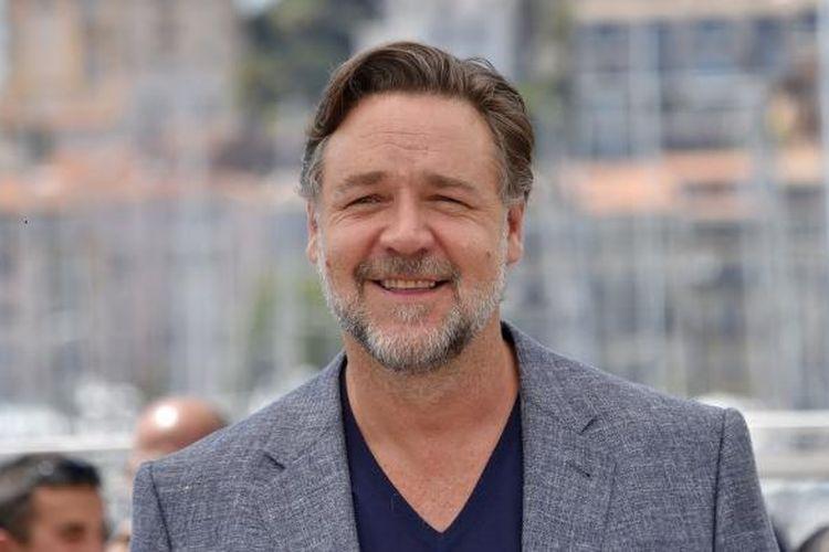 Aktor Russell Crowe menghadiri sesi foto untuk film The Nice Guys pada Festival Film Cannes di Kota Cannes, Perancis.