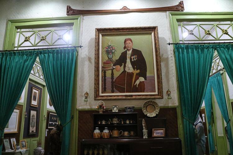 Raden Adipati Aria Prawiradiredja II, Bupati ke 10 Cianjur yang mendirikan Bumi Ageung sebagai tempat peistirahatan.