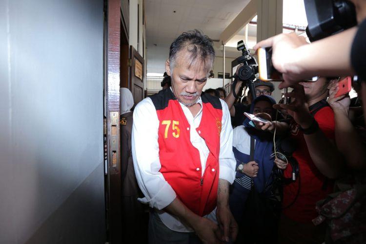 Tio Pakusadewo menjalani sidang putusan kasus narkoba yang menjeratnya di PN Jakarta Selatan, Kamis (24/62018).