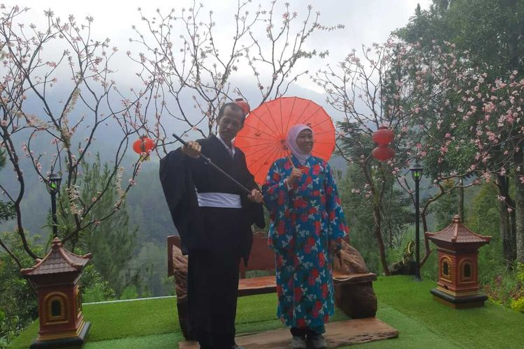 Pakai Kimono Khofifah Promosikan Taman Wisata Genilangit