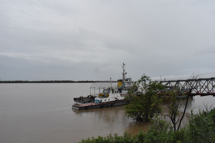 Pembangunan jalan-jalan dan jembatan menghubungkan Yangon dan Mawamyine menjadi lebih dekat. Tapi hingga kini belum tercipta peningkatan signifikan di sektor industri atau lapangan pekerjaan.