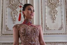 Agnez Mo Anggun dalam Balutan Kebaya Cheongsam, Anne Avantie Terharu