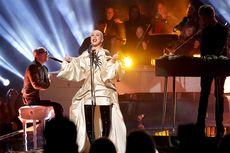 Lirik dan Chord Lagu Fall in Line - Christina Aguilera & Demi Lovato