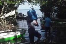Dilanda Kekeringan, Warga Menyeberang Pulau Demi Mencari Air Bersih