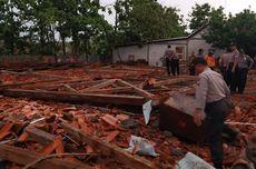Korban Robohnya Aula SMKN 1 Miri Dapat Bantuan Pengobatan dari Pemkab Sragen