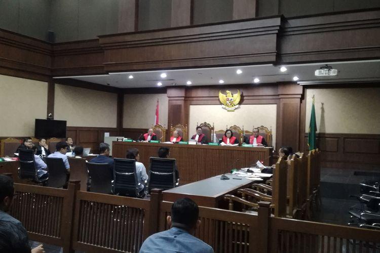 Sidang pemeriksaan saksi untuk mantan Gubernur Kepulauan Riau Nurdin Basirun, terdakwa kasus dugaan suap terkait izin prinsip pemanfaatan ruang laut di Kepulauan Riau.