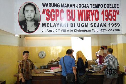 SGPC Bu Wiryo, Memori Jokowi dan Alumni UGM di Sepiring Sego Pecel